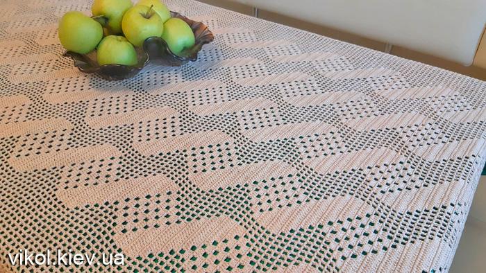 Декоративная прямоугольная скатерть филейного вязания