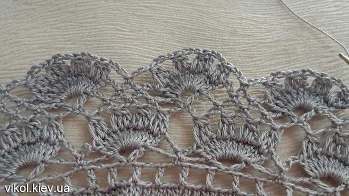 Вязание крючком серой круглой салфетки узором по схеме