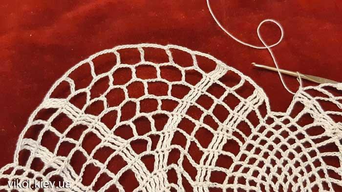 Вяжем салфетку крючком Нежность хризантемы пошагово фото