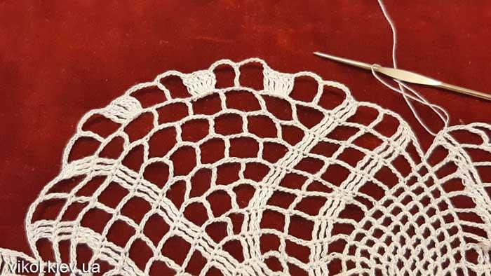 Узор в вязании тонкой салфетки крючком Нежность хризантемы