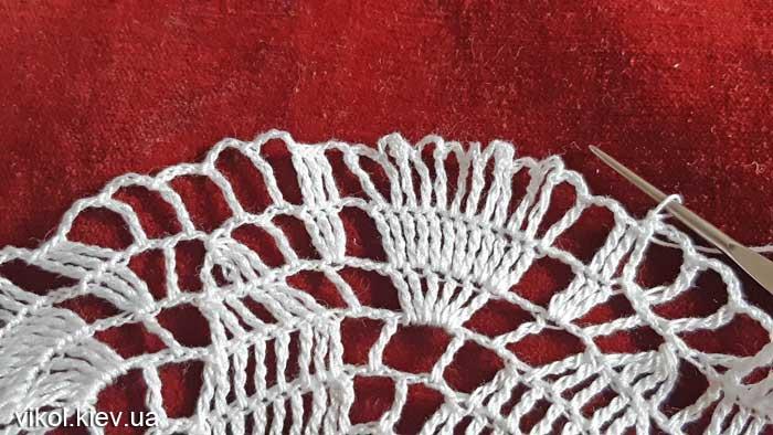 Вязание узора в круглой салфетке Нежность хризантемы