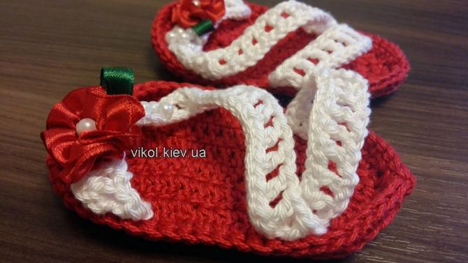 Нежные вязаные пинетки сандали для новорожденной