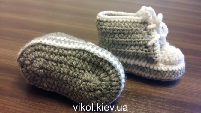 Пинетки кеды для костюма новорожденному купить на заказ в Киеве