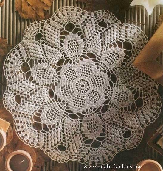 Белая ажурная салфетка крючком на стол купить в Киеве