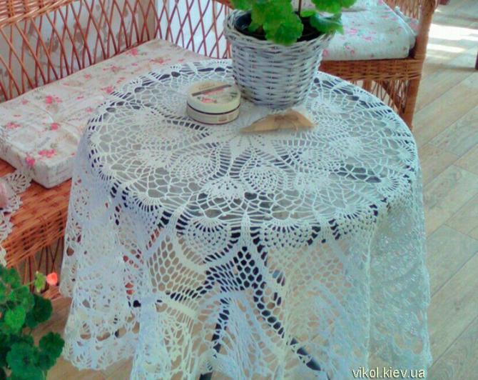 Большая вязаная крючком круглая скатерть на стол купить в Киеве на заказ