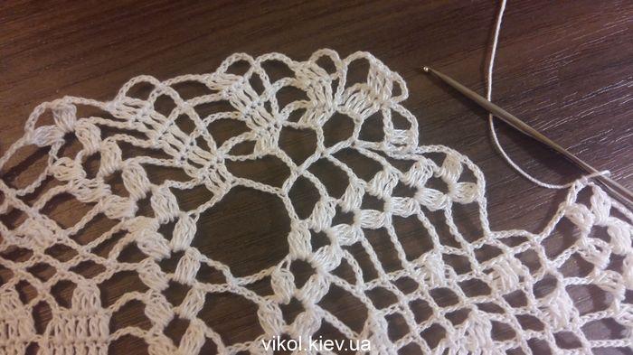 Круглая салфетка вязаная крючком с тюльпанами пошаговое вязание