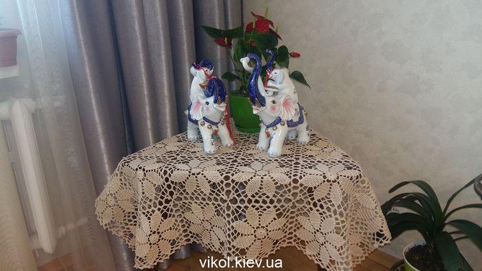 Ручное вязание скатерти крючком из квадратных мотивов купить на заказ Киев