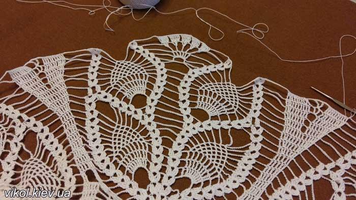 нежная большая салфетка перо павлина руководство вязания