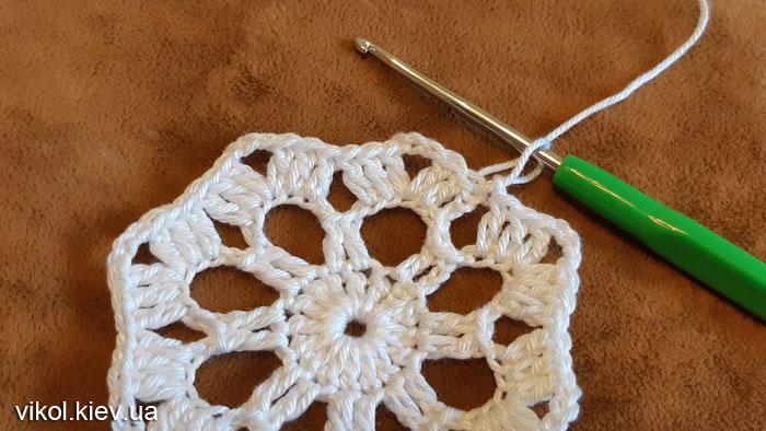 Пошаговое вязание ажурной круглой салфетки крючком